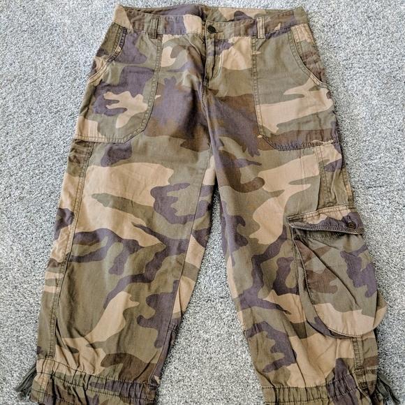 b5565e301c LONDONJEAN Shorts | London Jean Army Print Adorable Bermuda Pants ...